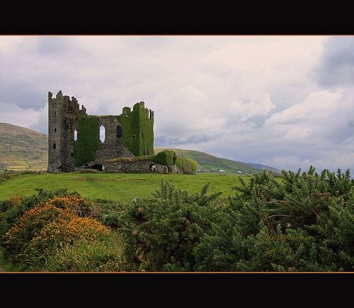 Ballycarberry Castle, Ring of Kerry, Ireland, por minniemouseaunt