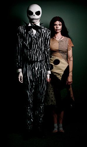 Jack and Sally from the Nightmare Before Christmas Halloween Costumes Inspired by Tim Burton, por Jesse Draper