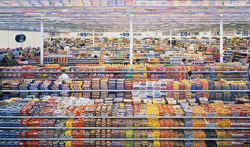 Andreas Gursky 99 cent, 1999