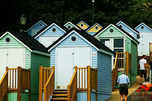 Beach huts, por Doug Wheller